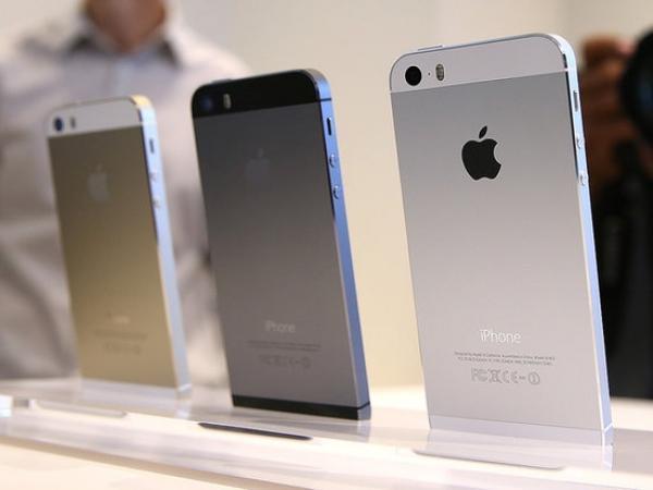 Apple iphone 5s 64GB ( schwarz und weiß)