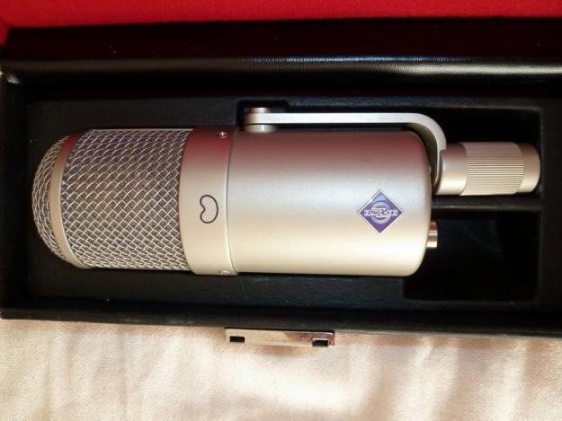 Neumann U 47 f Mikrofon / Mikrophon / Microphone