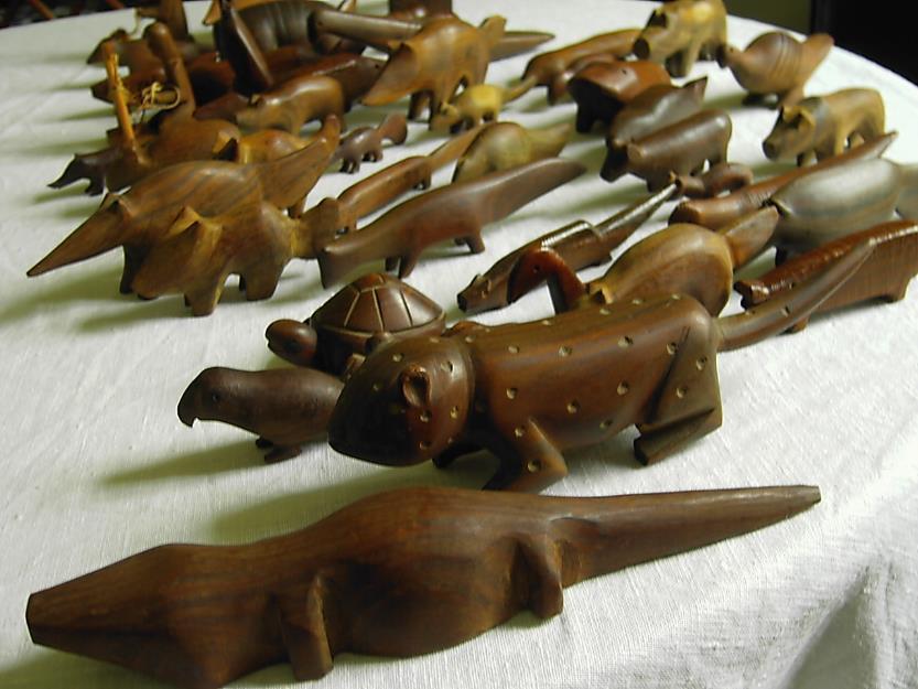 Holzfiguren primitive Kunst aus Palo Santo (Heiliges Holz)