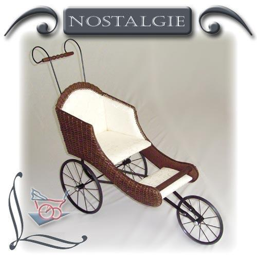 Nostalgie-Puppenwagen Garnierung aus Glanzjacquard